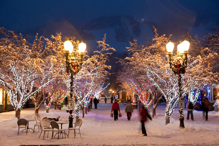 Why we love aspen luxury in aspen the little nell blog for Best places to go for christmas in the usa