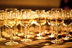 exclusive_wine_glasses